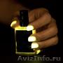 Light in the dark (светящийся в темноте лак для ногтей)